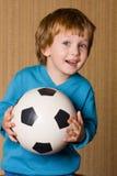 Portret van aanbiddelijke baby met een bal. Royalty-vrije Stock Afbeeldingen