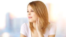 Portret van aantrekkelijk meisje stock afbeeldingen