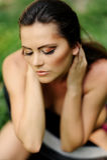 Portret van aantrekkelijk meisje openlucht stock afbeelding