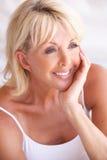 Portret van Aantrekkelijke Hogere Vrouw Stock Fotografie