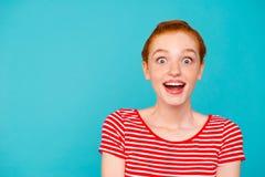 Portret van aardige leuke aantrekkelijke meisjesachtige modieuze geschokt in royalty-vrije stock foto