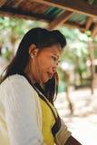 Portret van Aziatische landbouwersvrouw op provinciaal gebied Royalty-vrije Stock Afbeeldingen