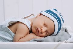 portret van baby van de slaap de onschuldige zuigeling royalty-vrije stock fotografie