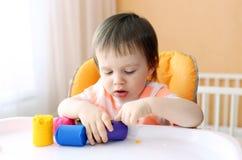 Portret van baby met plasticine Royalty-vrije Stock Foto