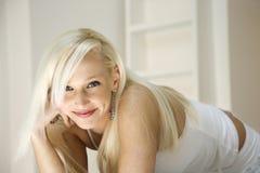 Portret van blonde vrouw. Stock Afbeelding