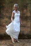 Portret van bruid het dansen Royalty-vrije Stock Afbeeldingen