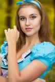 Portret van bruin-haired meisje royalty-vrije stock afbeelding
