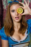Portret van bruin-haired meisje royalty-vrije stock foto's