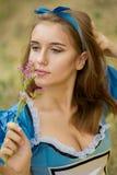 Portret van bruin-haired meisje stock afbeeldingen
