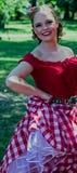 Portret van Californisch meisje in traditioneel kostuum Stock Foto