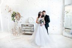 Portret van de bruid en de bruidegom royalty-vrije stock afbeelding