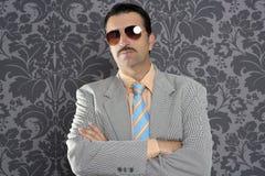 Portret van de de zakenmanzonnebril van Nerd het ernstige trotse Royalty-vrije Stock Fotografie