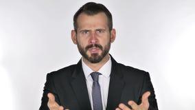 Portret van de de gesturing frustratie en woede van de baardzakenman stock video