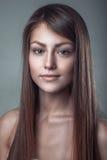 Portret van de glamour het schone huid van een mooi glimlach jong meisje Royalty-vrije Stock Afbeelding