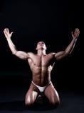 Portret van de jonge bodybuildermens stock foto