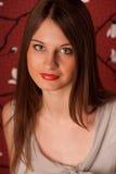 Portret van de jonge dame met groene ogen. Stock Foto's