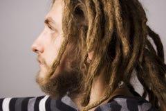 Portret van de jonge dreadlockmens Stock Fotografie
