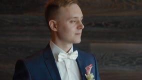 Portret van de jonge Kaukasische mens stock footage