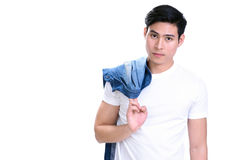 Portret van de jonge knappe Aziatische mens in witte t-shirt Royalty-vrije Stock Afbeeldingen