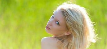 Jonge mooie blond stock afbeelding