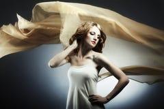 Portret van de jonge seksuele vrouw royalty-vrije stock afbeelding