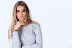 Portret van de jonge vrouw Royalty-vrije Stock Afbeeldingen