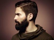 Portret van de knappe mens met baard Royalty-vrije Stock Afbeeldingen