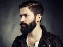 Portret van de knappe mens met baard royalty-vrije stock fotografie