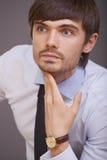 Portret van de knappe mens in studio Royalty-vrije Stock Afbeeldingen