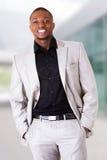 Portret van de knappe zwarte mens royalty-vrije stock foto's