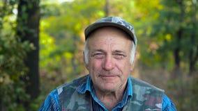Portret van de mens op middelbare leeftijd stock videobeelden
