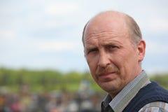 Portret van de mens op middelbare leeftijd openlucht Stock Foto