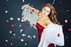 Portret van de mooie jonge vrouw Stock Afbeeldingen