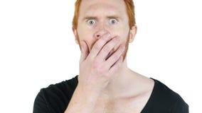 portret van de rode gedeprimeerd haarmens die, mislukking uit beklemtonen stock videobeelden