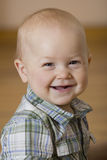 Portret van de vrolijke kleine jongen Stock Fotografie