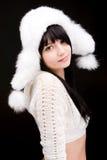 Portret van de vrouw met de winterhoed Stock Afbeelding