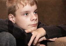 Portret van de weerspiegelde jongen Royalty-vrije Stock Afbeelding