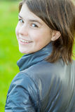 Portret van donker-haired meisje Stock Foto's