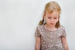 Portret van droevig meisje Royalty-vrije Stock Afbeeldingen