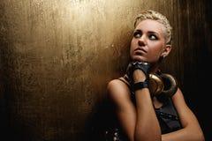 Portret van een aantrekkelijk stoom punkmeisje stock fotografie