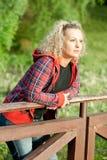 Portret van een aantrekkelijke vrouw Stock Foto's