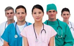 Portret van een assertief medisch team stock foto's