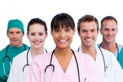 Portret van een assertief medisch team stock afbeeldingen