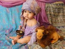 Portret van een babyjongen in het Aziatische binnenland Royalty-vrije Stock Afbeelding