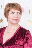 Portret van een bedrijfsvrouw op middelbare leeftijd stock afbeeldingen