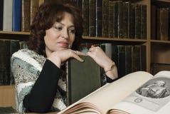 Portret van een bibliothecaris royalty-vrije stock foto's