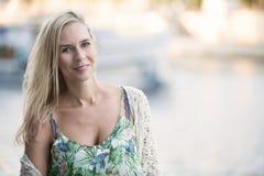 Portret van een blonde vrouw Stock Foto's