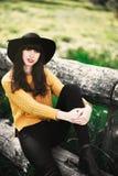 Portret van een brunnete gelukkig en glimlachend meisje Royalty-vrije Stock Fotografie