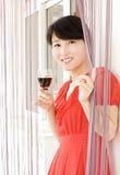 Portret van een drinkend meisje Stock Fotografie