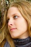 Portret van een dromende vrouw Stock Fotografie